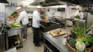 lavorare in cucina